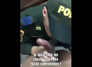 mamadas;vergas-grandes;militares,Blowjob;Big Dick;Gay;Military Policía me chupa...