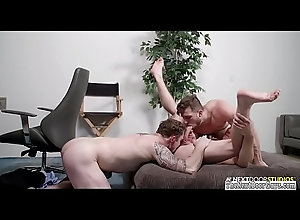 anal,amateur,threesome,assfucking,buttfucking,gay,muscle,amateurs,bareback,homo,homosexual,muscular,police,athletic,gaysex,gay Gay threesome...