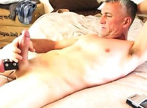 cum;big-cock,Daddy;Solo Male;Big Dick;Gay;Amateur;Cumshot;Verified Amateurs Cum Splash