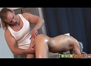 big,cock,handjob,oil,dick,horny,gay,massage,twink,hunk,gay Hot blond twink...