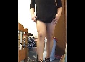 feet;fan;tribute;cuck;cuckhold;tease;cd-pantyhose,Solo Male;Gay Toe Pointing...