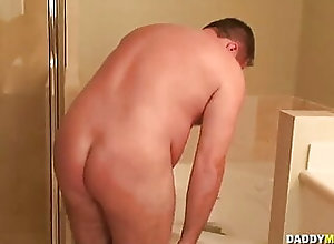 Fat (Gay);Masturbation (Gay);Gay Daddy (Gay);HD Videos DADDY MUGS 04